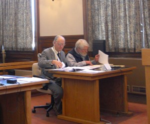 Phil White, left, and Chris Braithwaite in Vermont Superior Court.  Photo by Paul Lefebvre